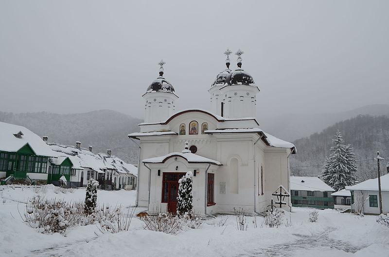 manastirea_suzana_iarna